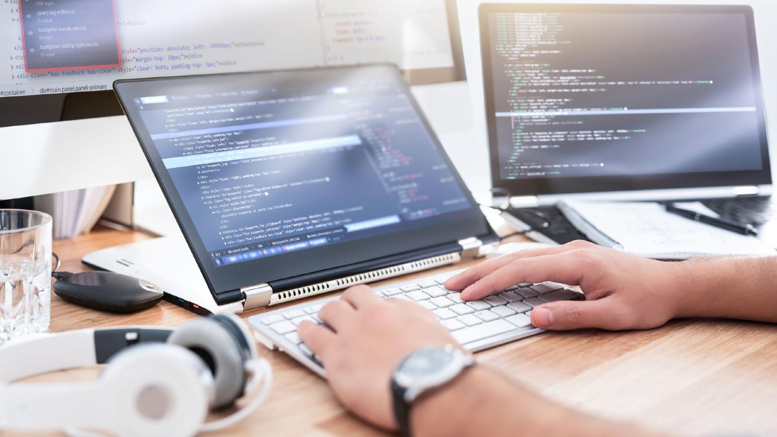 Las metodologías de desarrollo seguro de software deben incorporarse en el día a día del programador