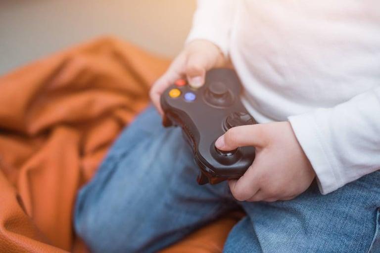 Los puestos de desarrollo de videojuegos decrecen en España pero, ¿cuál es su realidad?